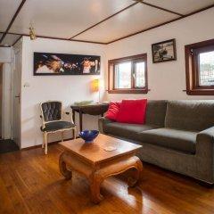 Отель Noah's houseboat Amsterdam Нидерланды, Амстердам - отзывы, цены и фото номеров - забронировать отель Noah's houseboat Amsterdam онлайн комната для гостей фото 2