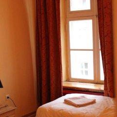 Отель Tabinoya - Tallinn's Travellers House Стандартный номер с 2 отдельными кроватями (общая ванная комната) фото 4
