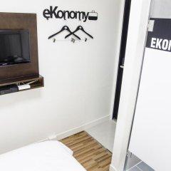 Отель Ekonomy Guesthouse Haeundae 3* Стандартный номер с различными типами кроватей фото 10