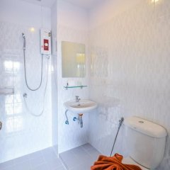 Отель Two Color Patong Номер Делюкс с двуспальной кроватью фото 20