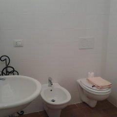 Отель A Casa di Francesco Сполето ванная