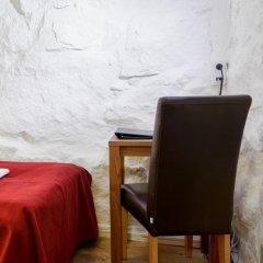 Отель Rex Petit 2* Номер категории Эконом с двуспальной кроватью (общая ванная комната) фото 4