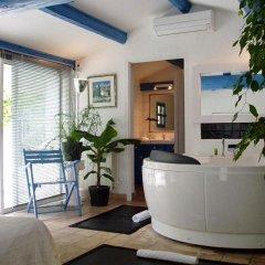 Отель Le Mas de la Treille Bed & Breakfast 3* Коттедж Делюкс с различными типами кроватей фото 5