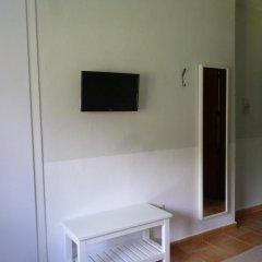 Отель Hostal Las Cumbres Испания, Кониль-де-ла-Фронтера - отзывы, цены и фото номеров - забронировать отель Hostal Las Cumbres онлайн удобства в номере