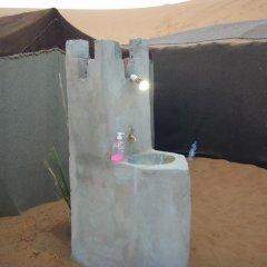 Отель Merzouga Camp Марокко, Мерзуга - отзывы, цены и фото номеров - забронировать отель Merzouga Camp онлайн ванная