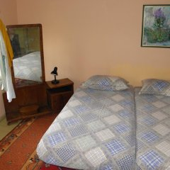Отель Guest House City Shkodra Коттедж с различными типами кроватей