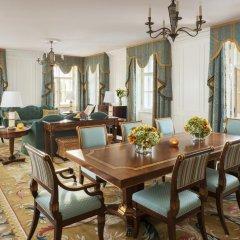 Гостиница Four Seasons Lion Palace St. Petersburg 5* Люкс с двуспальной кроватью фото 7