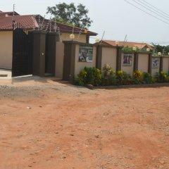 Отель Perriman Guest House Гана, Аккра - отзывы, цены и фото номеров - забронировать отель Perriman Guest House онлайн парковка