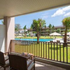 Отель Katathani Phuket Beach Resort 5* Номер Делюкс с двуспальной кроватью фото 14