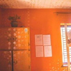 Отель Fireflies Hostel Непал, Катманду - отзывы, цены и фото номеров - забронировать отель Fireflies Hostel онлайн сейф в номере