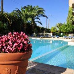 Отель Residhotel Villa Maupassant бассейн
