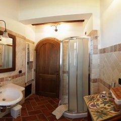 Отель La Casetta nel Bosco Синалунга ванная