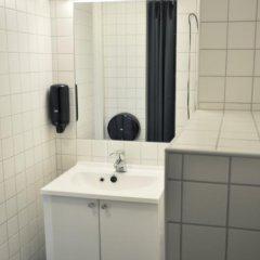 Отель Marken Guesthouse Кровать в женском общем номере фото 13