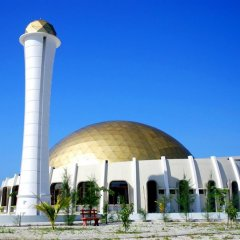 Отель Clear Sky Inn By Wonderland Maldives 3* Кровать в мужском общем номере фото 3