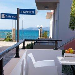 Отель Golden Bay балкон
