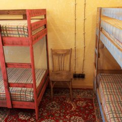 Хостел Trinity & Tours Кровать в общем номере с двухъярусной кроватью фото 17