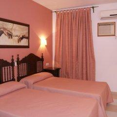Отель Hostal Macami Стандартный номер с 2 отдельными кроватями
