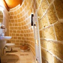 Отель Grandi Trulli Bed & Breakfast Альберобелло ванная