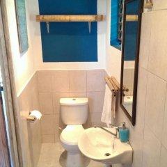 Отель Germaican Hostel Ямайка, Порт Антонио - отзывы, цены и фото номеров - забронировать отель Germaican Hostel онлайн ванная фото 2