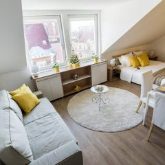 Апартаменты Warm & Friendly Apartment II. комната для гостей фото 3