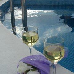 Отель Irini Villas Resort Греция, Остров Санторини - отзывы, цены и фото номеров - забронировать отель Irini Villas Resort онлайн бассейн