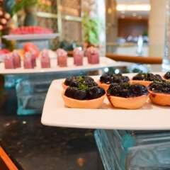 Отель Crowne Plaza West Hanoi гостиничный бар
