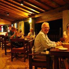 Отель Thumbelina Apartments & Hotel Шри-Ланка, Бентота - отзывы, цены и фото номеров - забронировать отель Thumbelina Apartments & Hotel онлайн гостиничный бар