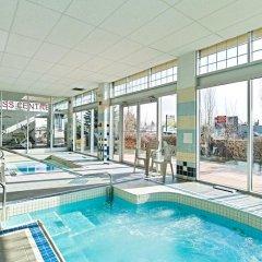 Отель Econo Lodge South Calgary Канада, Калгари - отзывы, цены и фото номеров - забронировать отель Econo Lodge South Calgary онлайн бассейн фото 2