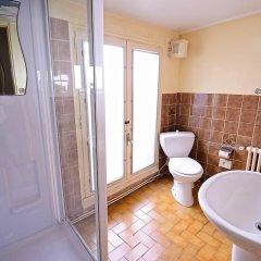 Hotel De La Vallee Париж ванная