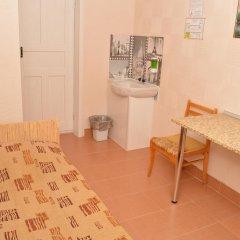 Гостиница Октябрьская Номер с общей ванной комнатой с различными типами кроватей (общая ванная комната) фото 16