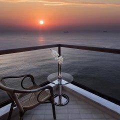Mersin HiltonSA Турция, Мерсин - отзывы, цены и фото номеров - забронировать отель Mersin HiltonSA онлайн балкон