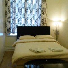 Отель Riz Guest House Номер с общей ванной комнатой фото 3