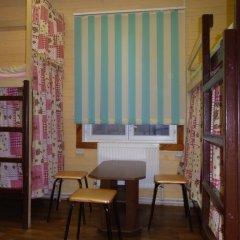 Hostel Favorit Кровать в общем номере с двухъярусной кроватью фото 11