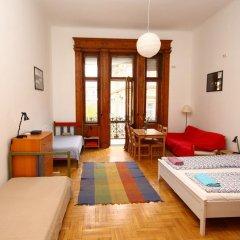 Pal's Hostel & Apartments Студия с различными типами кроватей фото 2