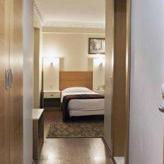 Baron Hotel сейф в номере