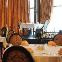 Отель Doubletree by Hilton Hotel Varna - Golden Sands Болгария, Золотые пески - 4 отзыва об отеле, цены и фото номеров - забронировать отель Doubletree by Hilton Hotel Varna - Golden Sands онлайн питание