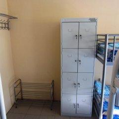 Hostel Avrora Кровать в общем номере с двухъярусной кроватью фото 9