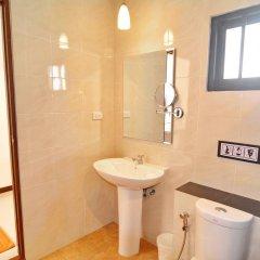Отель Golden Bay Cottage 3* Улучшенное бунгало с различными типами кроватей фото 2