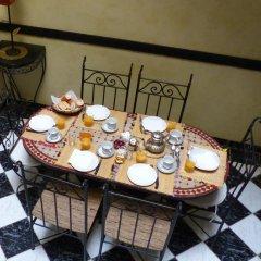 Отель Riad Les Portes De La Medina питание фото 2