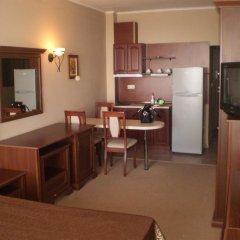 Отель Private Studios in an Aparthotel Поморие в номере