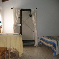 Отель Puerta del Sol Rooms Стандартный номер с двуспальной кроватью (общая ванная комната) фото 3
