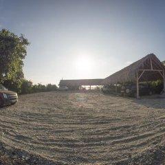 Отель Paradise by Dharma парковка