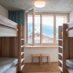 Youth Hostel Gstaad Saanenland Кровать в общем номере с двухъярусной кроватью фото 2