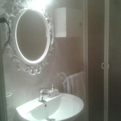 Отель Affittacamere Le Tre stelle 3* Номер Делюкс с различными типами кроватей фото 15