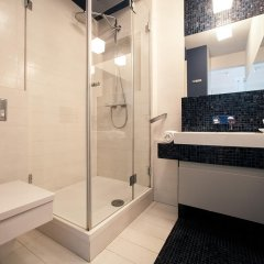 Отель Platinum Towers Central Apartments Польша, Варшава - отзывы, цены и фото номеров - забронировать отель Platinum Towers Central Apartments онлайн ванная