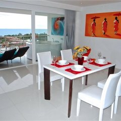 Отель Sunset Plaza Karon 2 bedrooms Nice Sea View в номере
