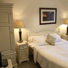 Отель The Old Hall Inn удобства в номере