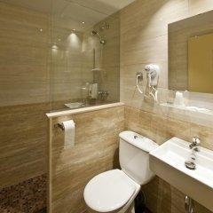 Отель Hostal Barcelona Стандартный номер с различными типами кроватей фото 25