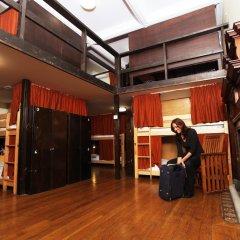 Отель Palmers Lodge Swiss Cottage Кровать в общем номере