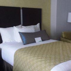 Отель Best Western Plus LaGuardia Airport Hotel Queens США, Нью-Йорк - отзывы, цены и фото номеров - забронировать отель Best Western Plus LaGuardia Airport Hotel Queens онлайн комната для гостей фото 5
